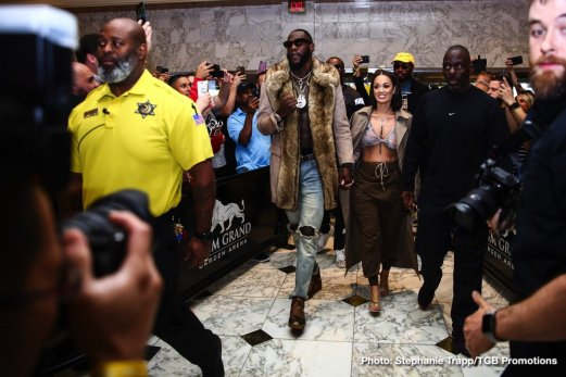 0-LR_TGB-GRAND-ARRIVALS-DEONTAY-WILDER-TRAPPFOTOS-11192019-3699