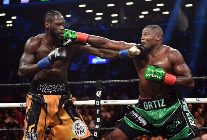 TOPSHOT-BOXING-WBC-USA-CUB-HEAVY