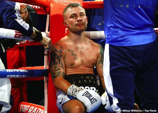 0-Carl_Frampton_between_rounds