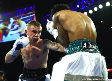0-Carl_Frampton_vs_Tyler_McCreary_action2