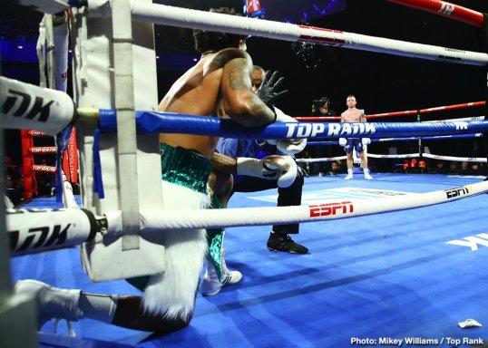 0-Carl_Frampton_vs_Tyler_McCreary_knockdown