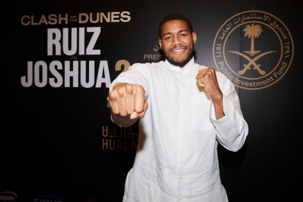 Michael Hunter Media Arrival event at Centria Mall in Saudi Arabia ahead of his fight this weekend in Diriyah. 2nd December 2109. Picture By Mark Robinson.