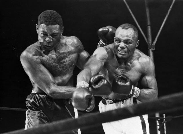 Joe Walcott Punches Ezzard Charles;Fight